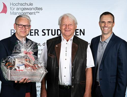 Ein Leben für die Lehre: Dr. Peter Kapustin feiert 100 Semester als Lehrender